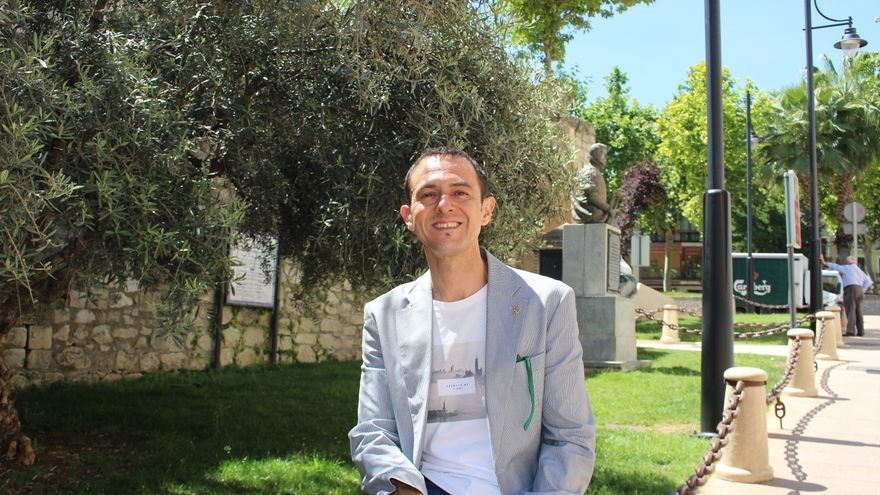 Manuel Lara Cantizani recibe un reconocimiento en Lucena
