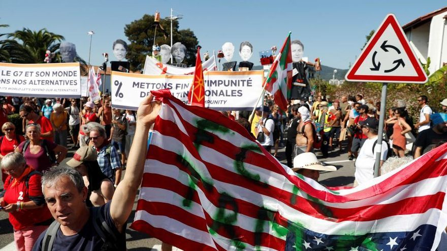 Protestas en la contracumbre del G7