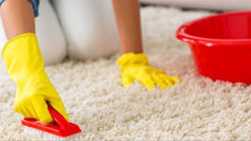 Tres trucs  per netejar les catifes de forma fàcil