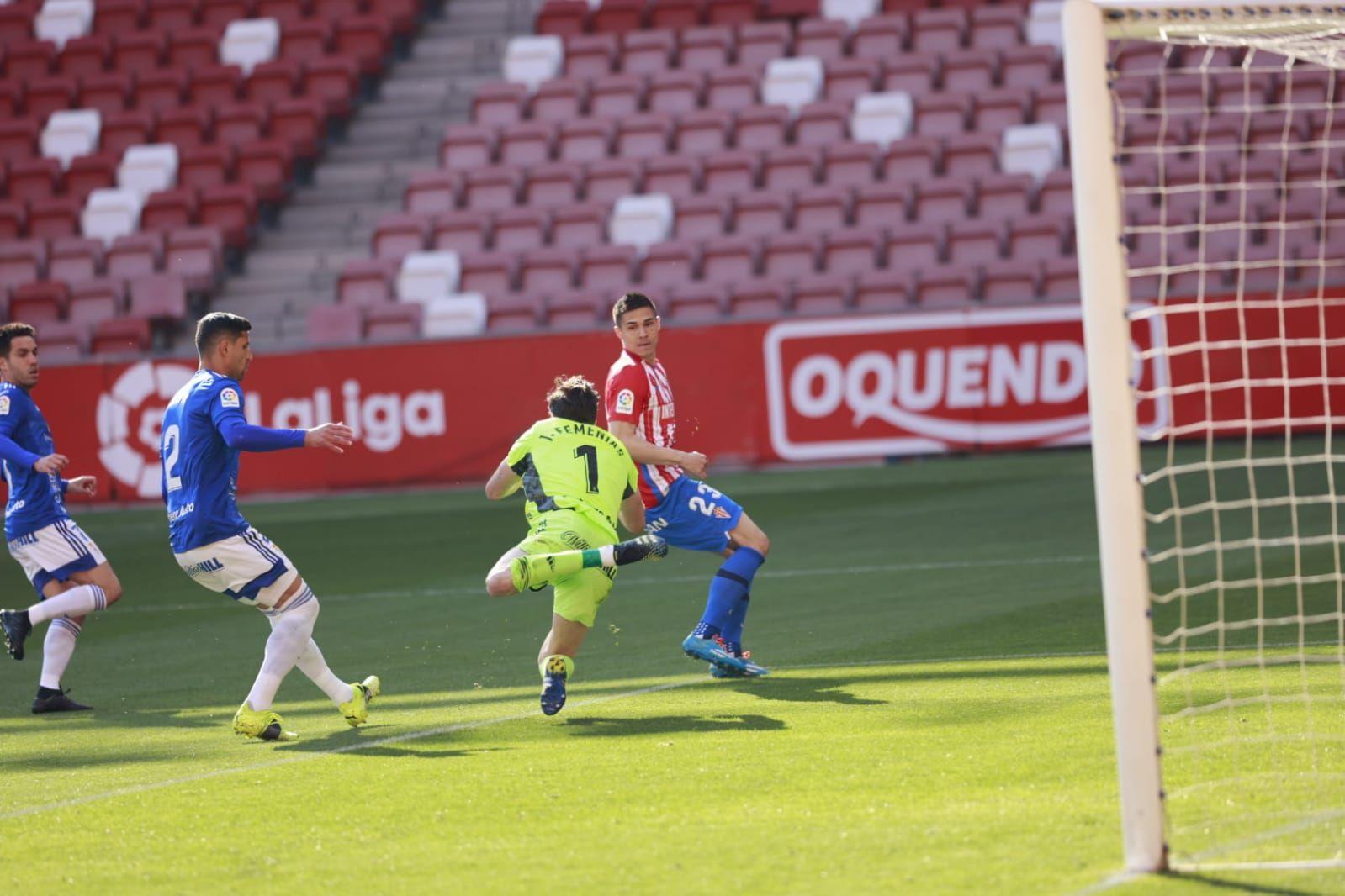 En imágenes: el derbi entre el Sporting y el Real Oviedo