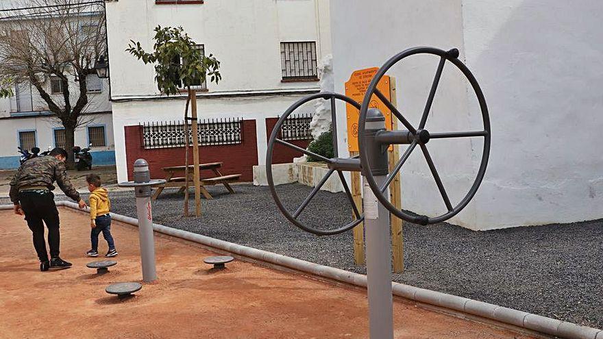Piden el riego de los árboles del solar del cine Andalucía