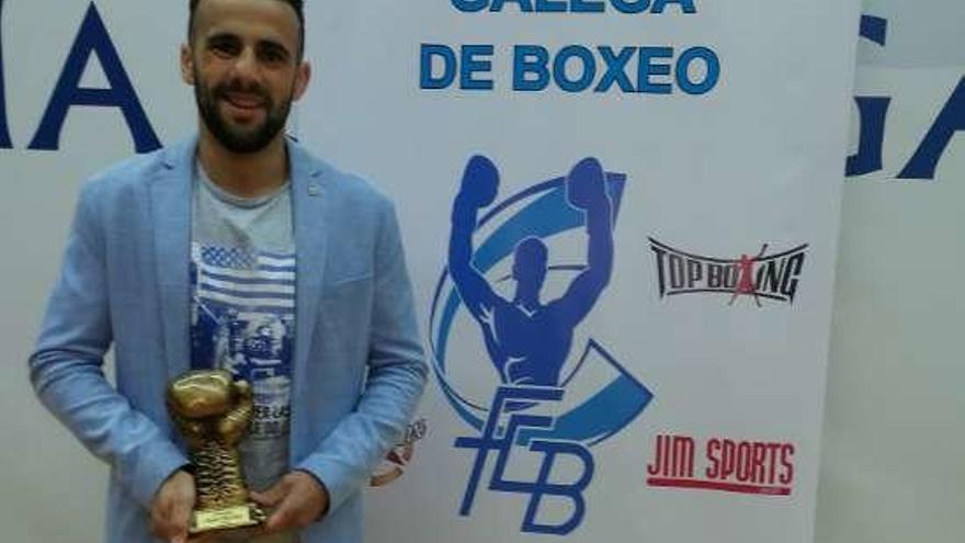 Aarón González sigue cosechando éxitos