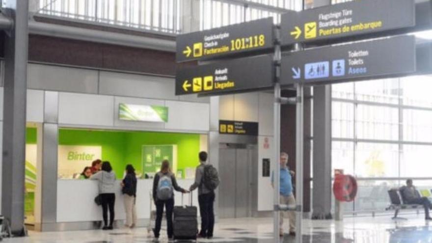 El Estado trabaja para solucionar la situación de los indigentes que duermen en el aeropuerto