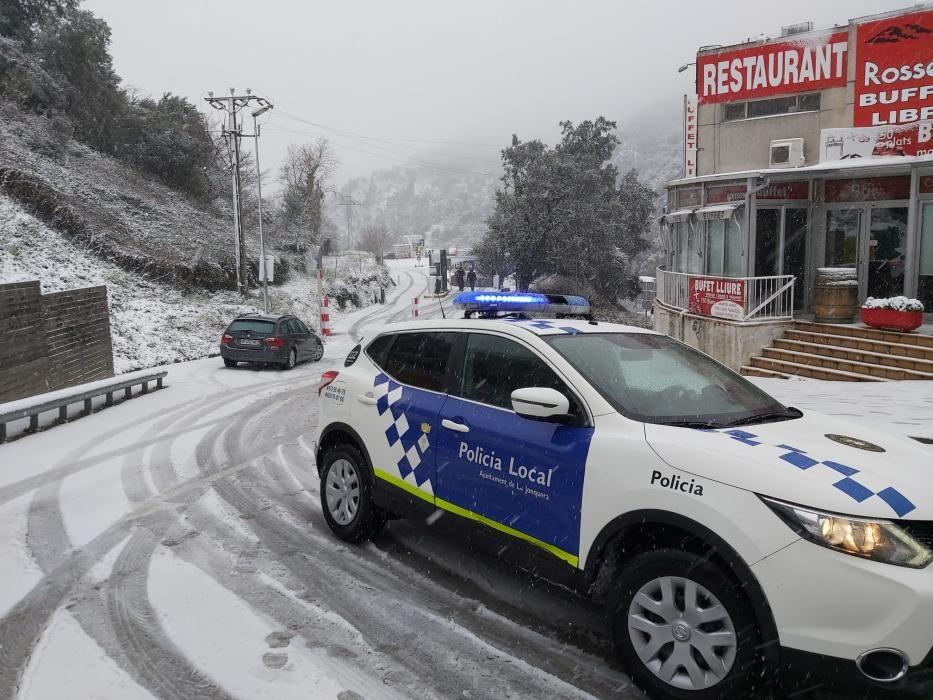 La neu fa acte de presència a l'Alt Empordà