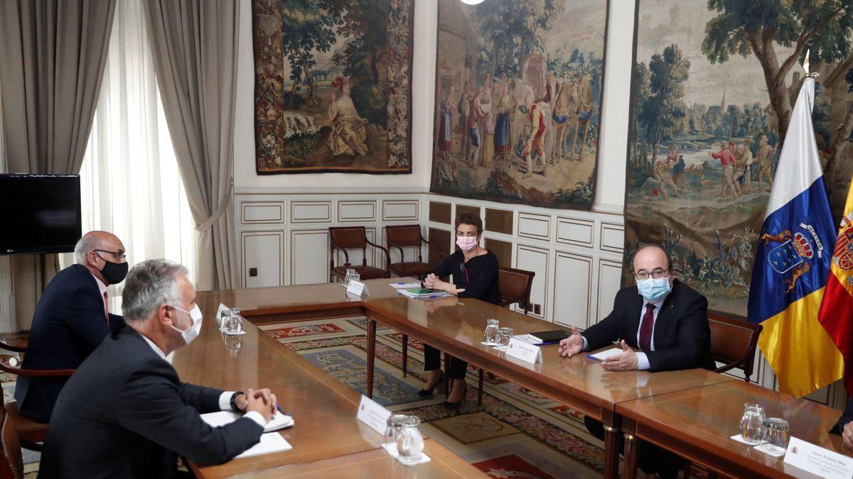 Reunión de Torres con el ministro Iceta