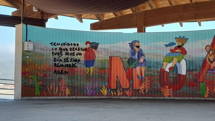 Destrozan un mural feminista en Moaña en una presunta protesta contra la Ley Trans