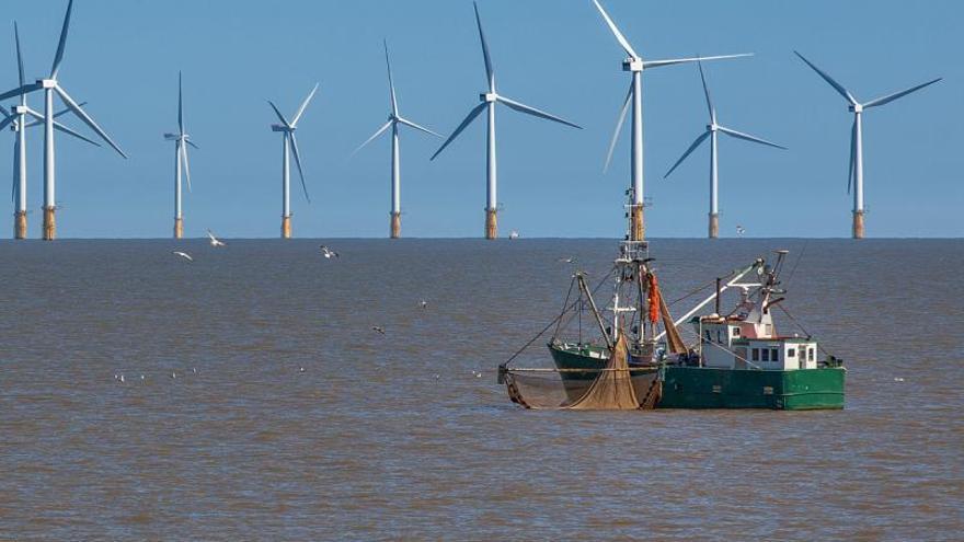 La Xunta plantea testar la eólica marina con una zona experimental en Galicia