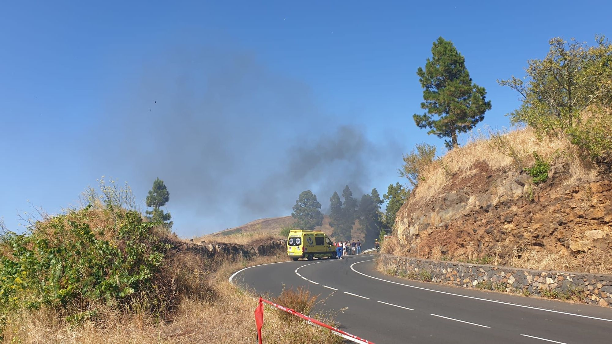 Conato de incendio tras un accidente en el Rallye Senderos de La Palma