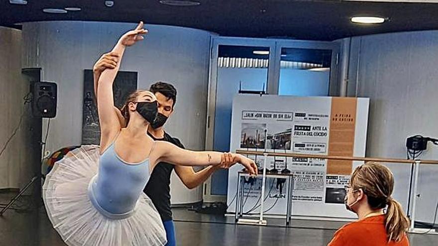 Artes escénicas y cabezudos animan el fin de semana en Lalín