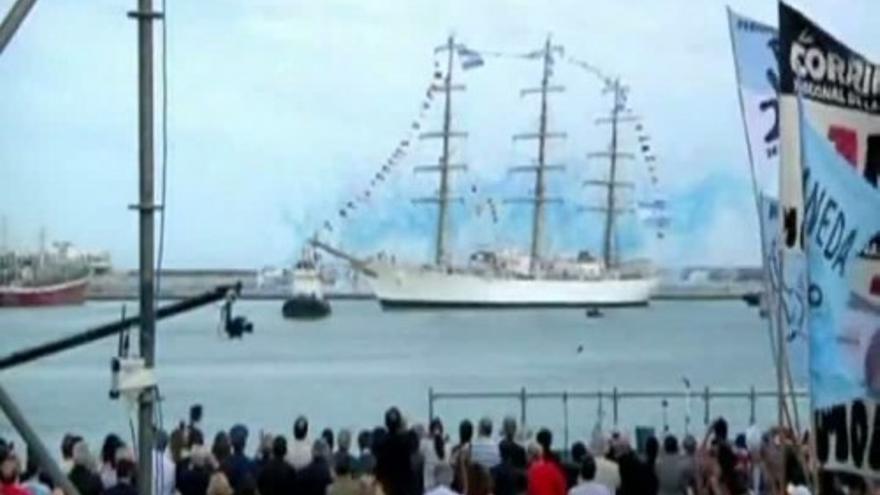 Triunfante regreso a Argentina de la Fragata Libertad
