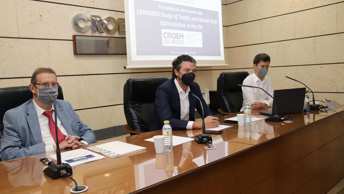 Joan Amorós y Alfonso Hernández en la presentación del avance del estudio sobre tráficos de mercancías y necesidades logísticas