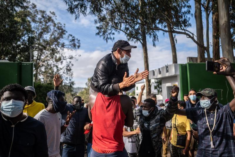 Campamento de Las Raíces tras los altercados que acabaron con heridos y detenidos