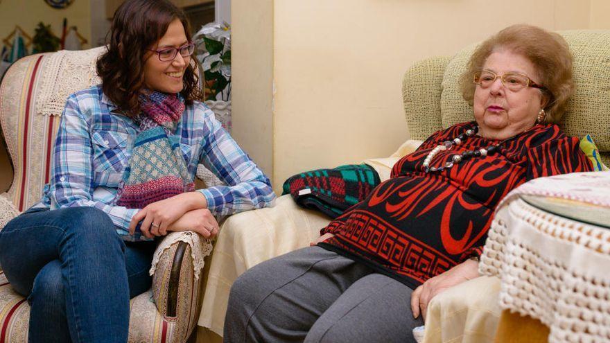 'Cambia de programa', una campaña para combatir la soledad de las personas mayores