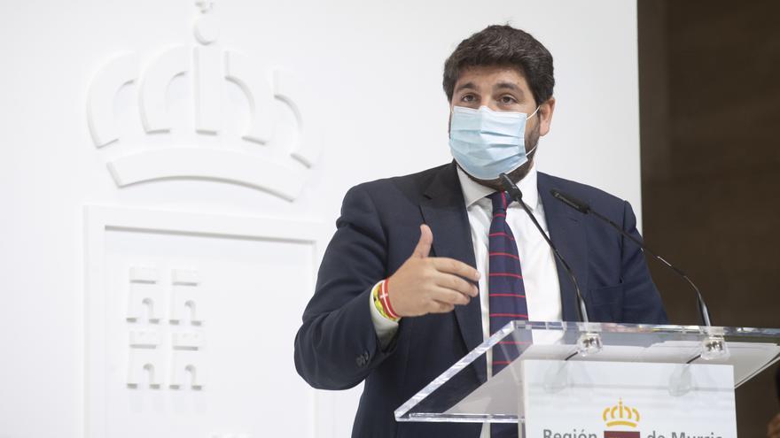 López Miras entiende que haya padres que discrepen con la moción sobre el himno de España