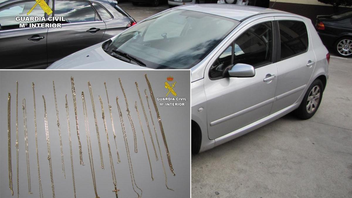 El vehículo del detenido y las joyas recuperadas por la Guardia Civil. / GC