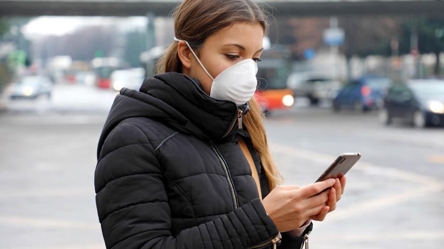 El coronavirus puede vivir casi un mes en la pantalla de tu móvil