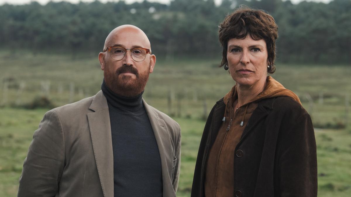 Javier Cámara y Mónica López
