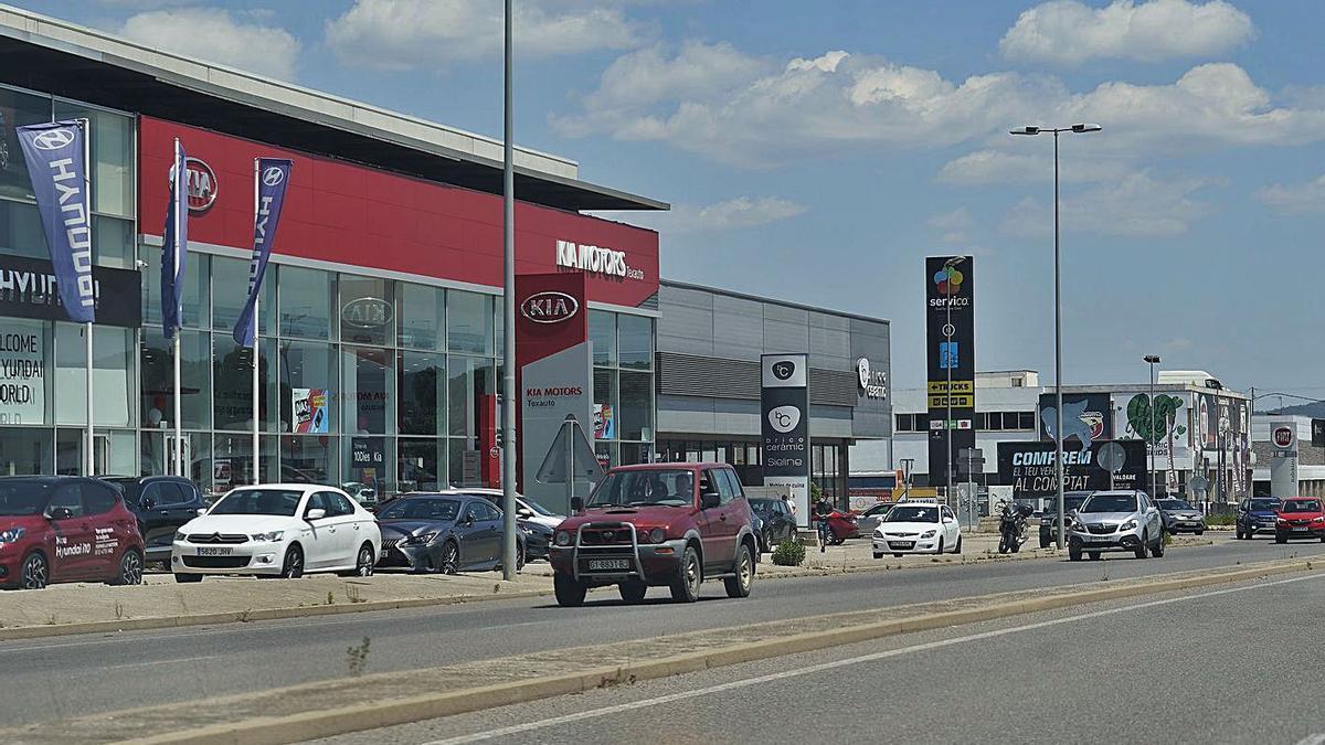 La zona de concessionaris ubicada a Fornells. | MARC MARTÍ