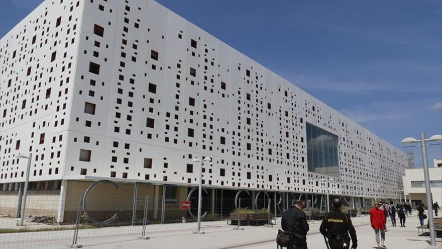 El Ayuntamiento prevé que las obras del centro de convenciones concluirán en febrero