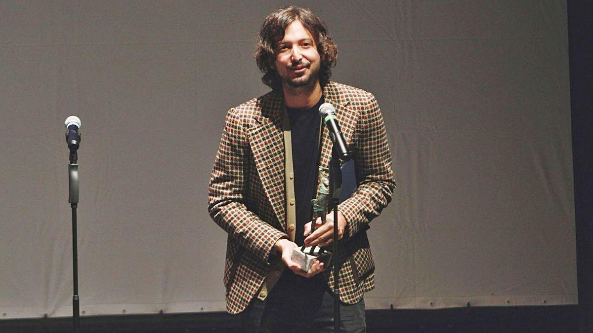 Polo Menárguez recibó ayer el Premio Eduardo Barreiros en el Teatro Principal.