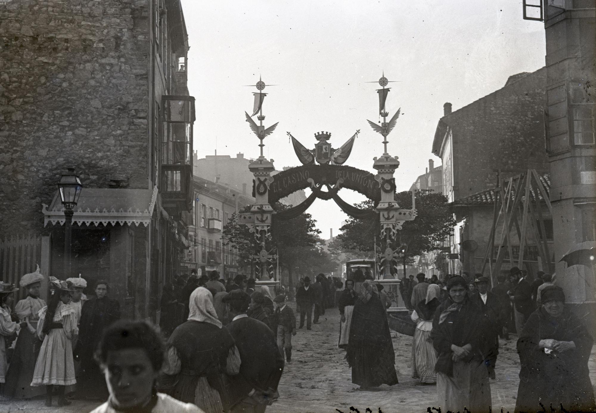 Justo del Castillo y Quintana, Arco de triunfo en la calle Corrida levantado por el Casino de la Uni�n, 1896.jpg