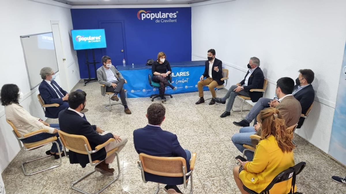 Reunión del PP de Crevillent con Isabel Bonig y Carlos Mazón