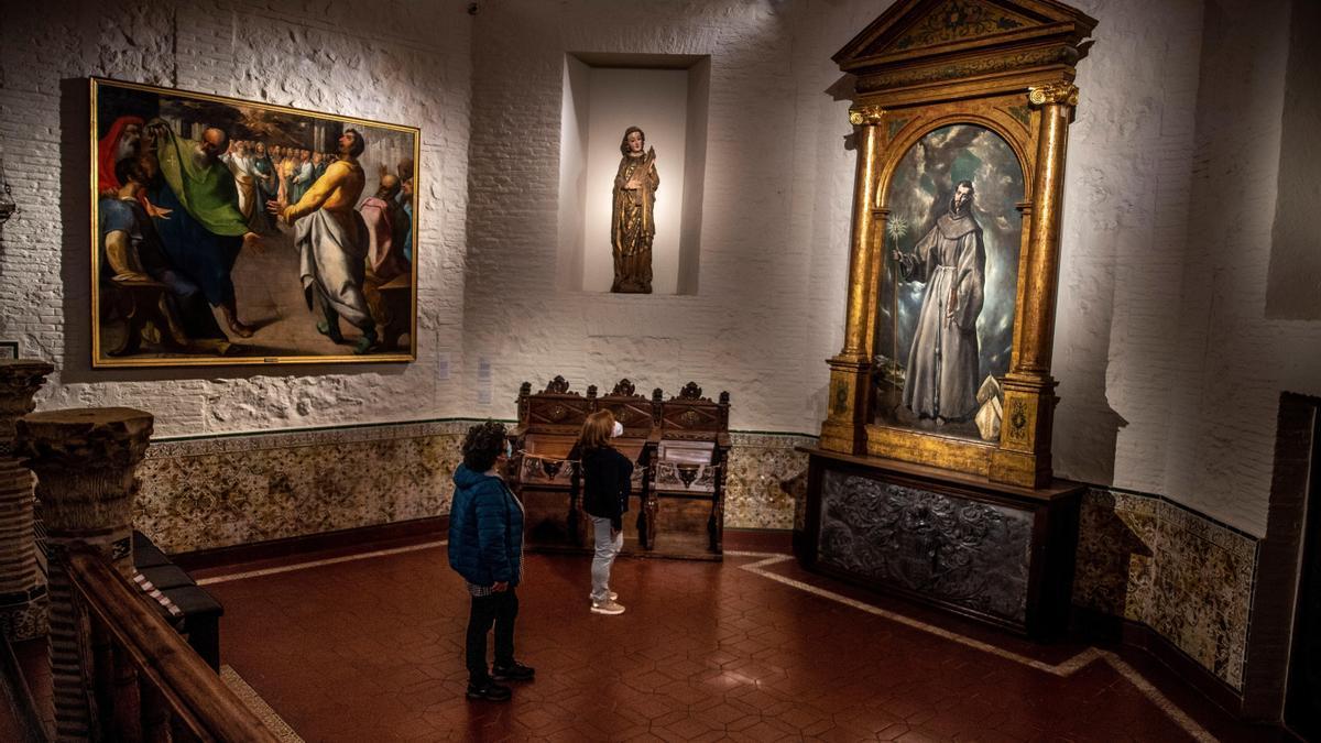 Dos personas en el Museo del Greco