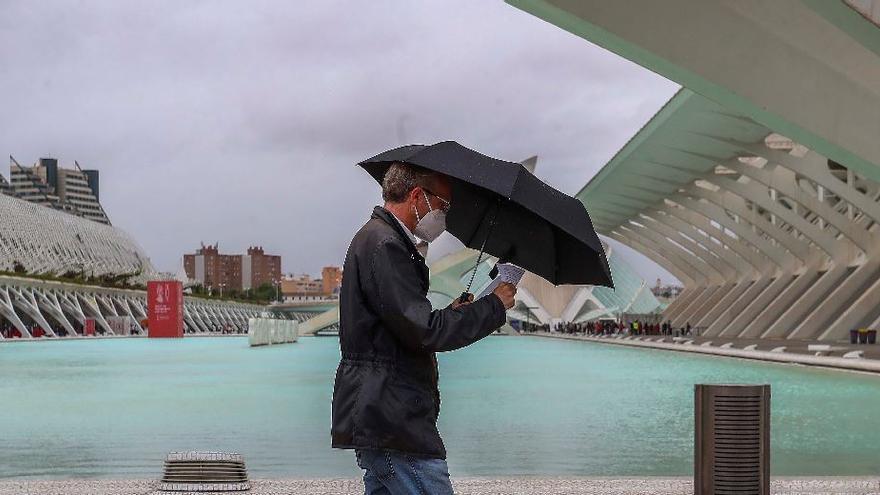 El tiempo en València: máximas de 30 grados con posibles lluvias