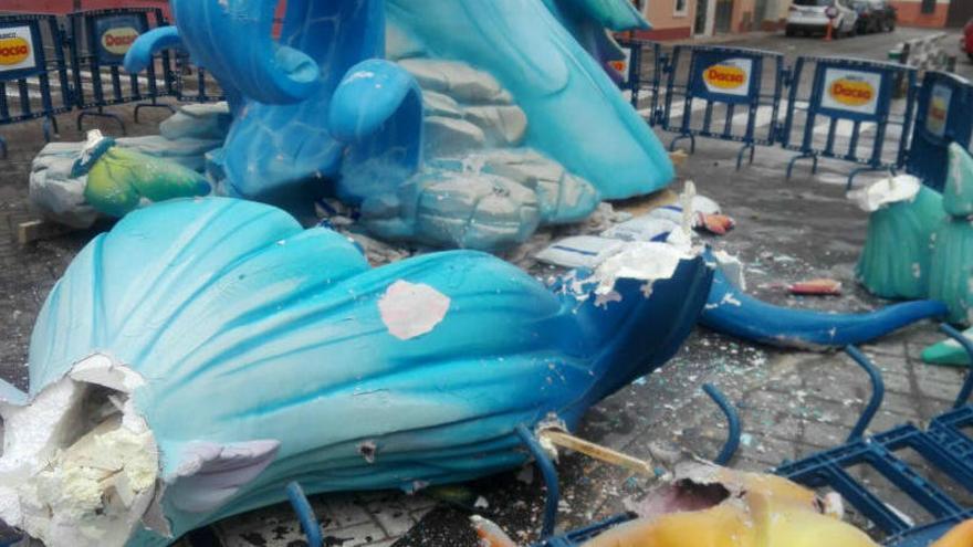 El temporal causa destrozos en las fallas de Valencia