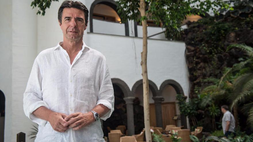 Martinón difunde una factura por la estancia de Soria en Punta Cana