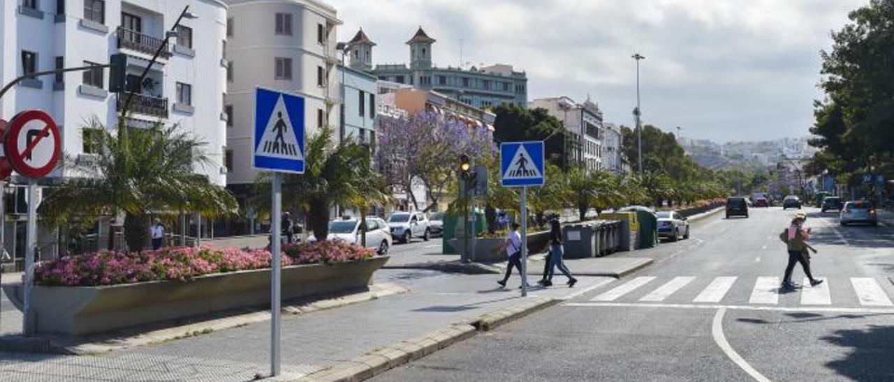 Aspecto de la autovía del Guiniguada a su paso por Triana y Vegueta en una foto reciente de archivo.     ANDRÉS CRUZ