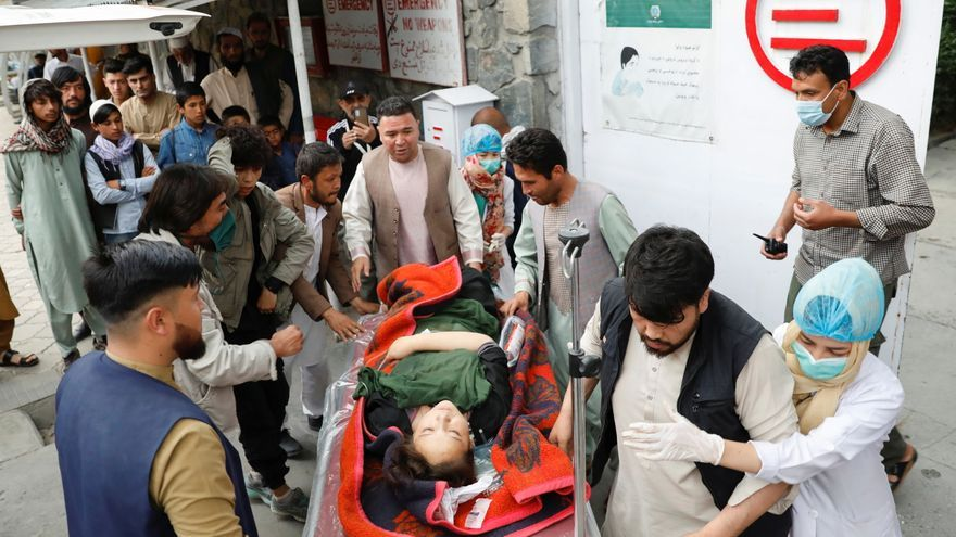Al menos 30 muertos en un ataque con bomba cerca de una escuela femenina en Kabul