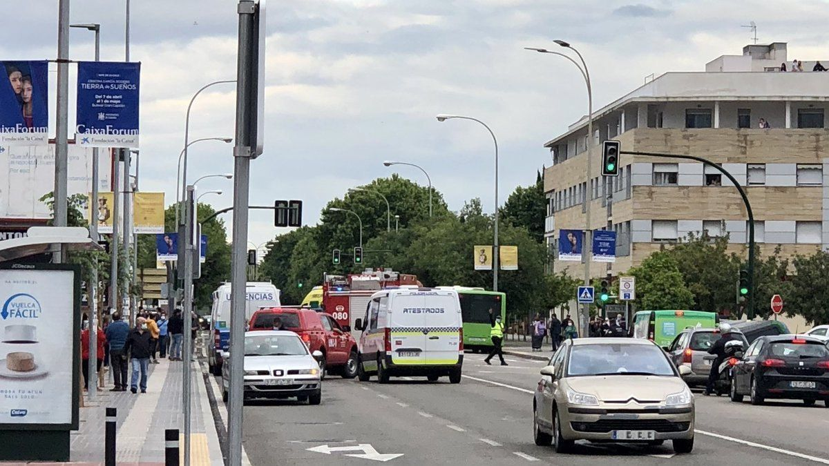 Imagen de la avenida de Libia minutos después del accidente.