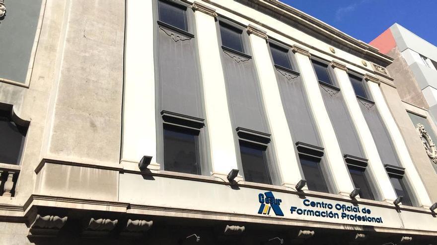 Cesur potencia la formación sanitaria en Tenerife con la apertura de un nuevo centro en el antiguo Cine REX