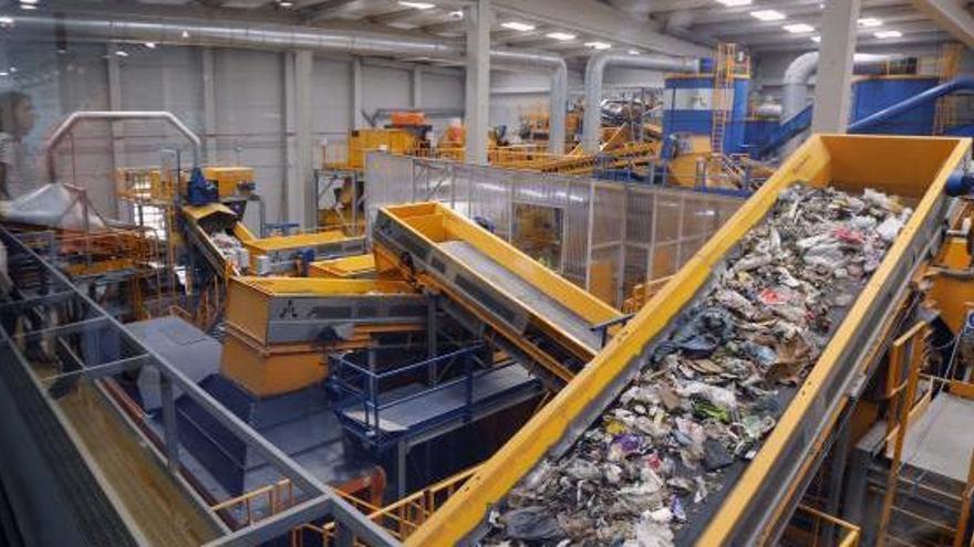 La planta de residuos que se había paralizado de forma cautelar retoma la actividad