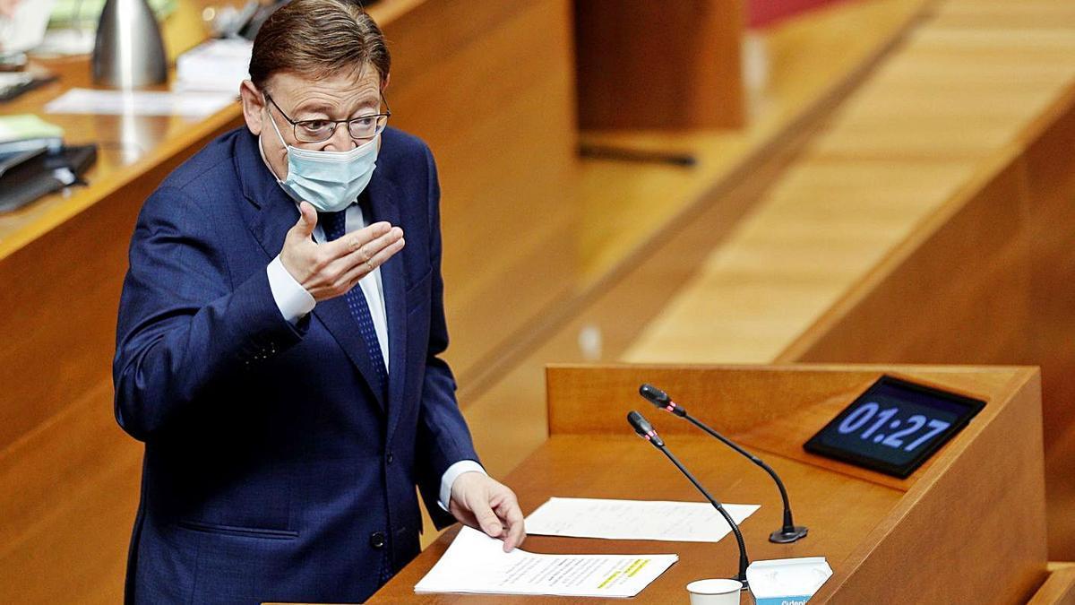 El president de la Generalitat, Ximo Puig, durante la sesión de las Corts, ayer.  | EFE/MANUEL BRUQUE