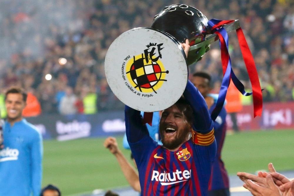 Los aficionados del Barcelona celebran el título d