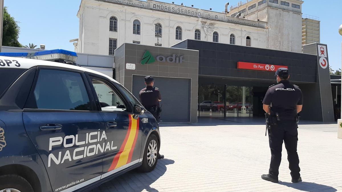 La Policía Nacional ha actuado en todo momento de manera coordinada con la entidad ferroviaria Renfe-Operadora.