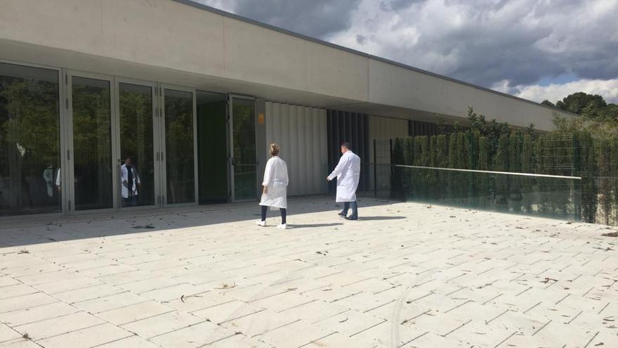 Mazón vuelve a ofrecer a Sanidad el Doctor Esquerdo para aliviar la presión en los hospitales
