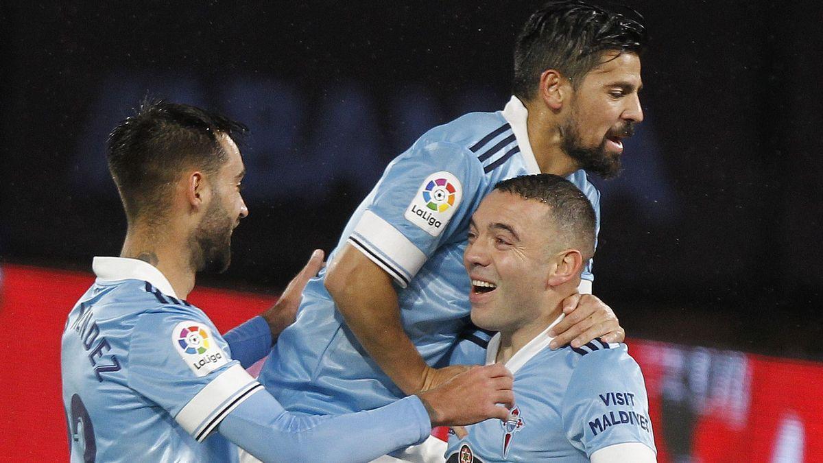 Nolito, Aspas y Brais celebran un gol del Celta.