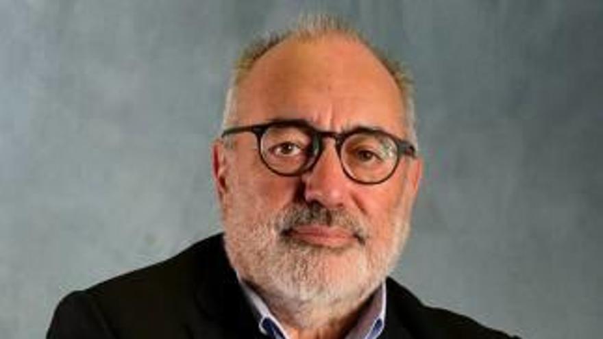 Fallece a los 71 años  el fotógrafo y periodista Carlos Pérez de Rozas