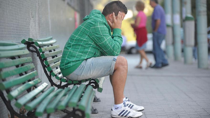 La precariedad agudiza la crisis  y dispara el paro juvenil en Galicia un 22%