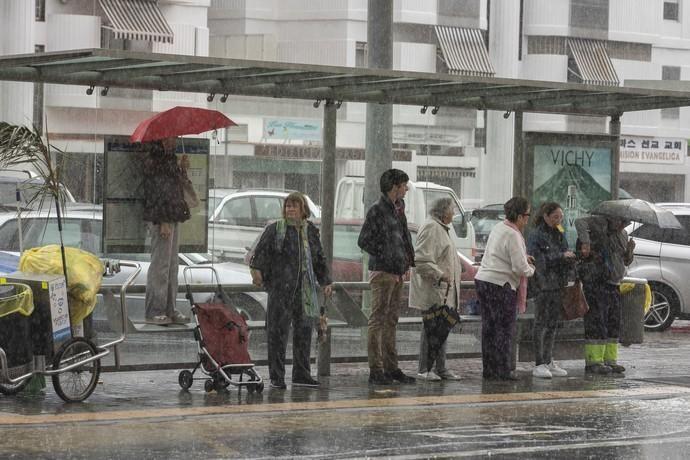04.03.19. Las Palmas de Gran Canaria. Meteorología, tiempo. LLuvias en la capital grancanaria.  Foto Quique Curbelo  | 03/04/2019 | Fotógrafo: Quique Curbelo