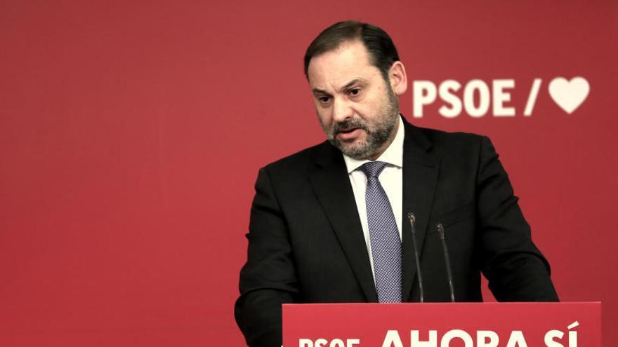 El PSOE allunya la coalició amb  el PP i busca el suport de Podem