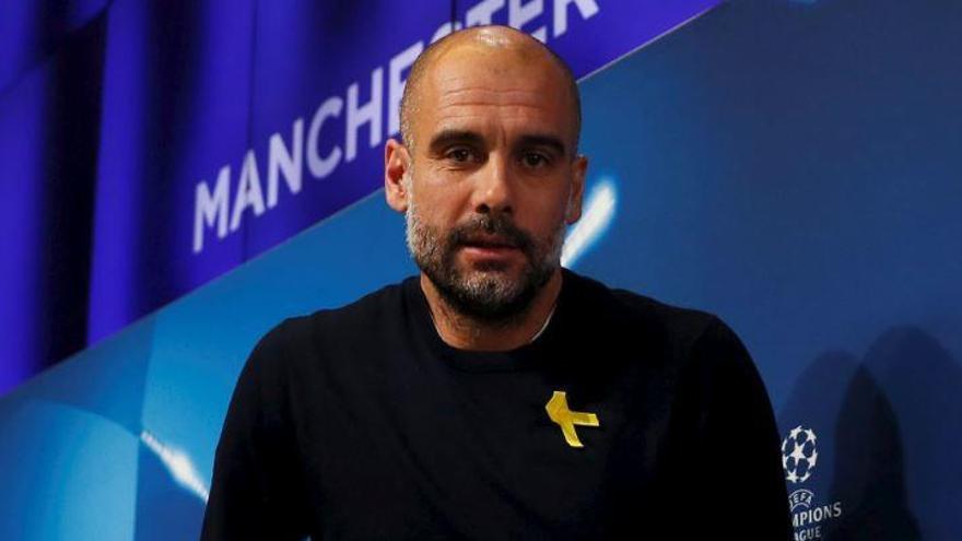 Guardiola, sancionat amb 22.500 euros pel llaç groc
