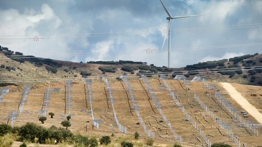 La primera planta fotovoltaica de Plasencia estará lista a primeros del 2022