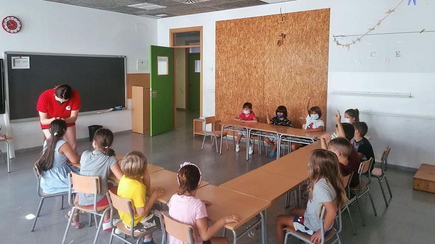 Vila abre las Escoles d'Estiu con 640 niños y jóvenes