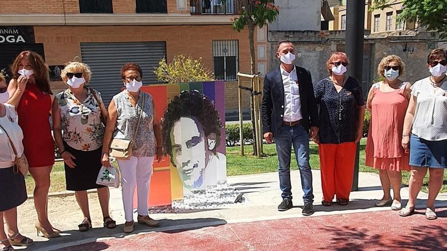 Riba-roja inaugura el primer paseo dedicado a Pedro Zerolo de la provincia