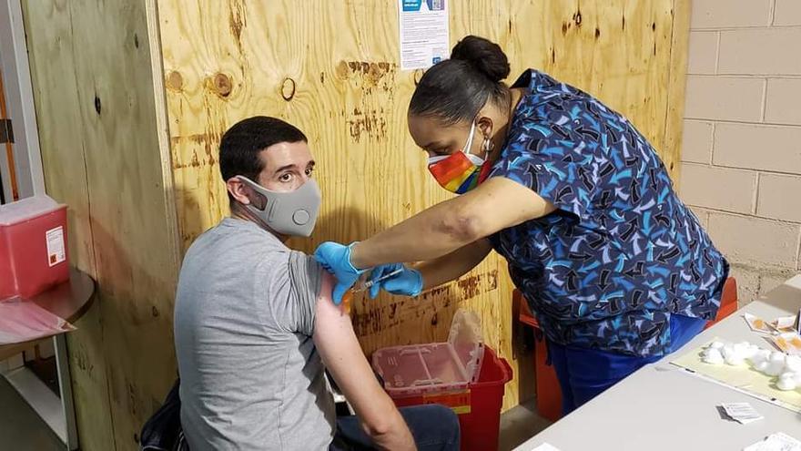 EEUU alcanza los 100 millones de dosis de vacunas administradas