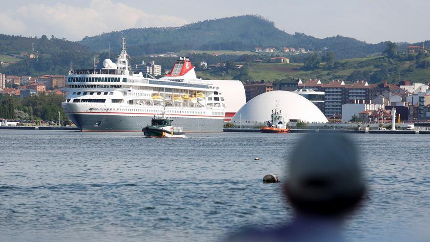"""El """"Braemar"""" cancela sus cruceros de este año en Avilés y no hará escala en la ría hasta 2022"""